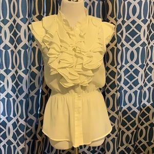 Romeo& Juliet Couture Sleeveless Blouse